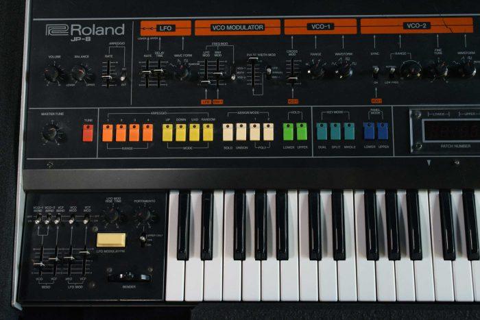 Roland Jupiter-8 — MES-soitinpankki